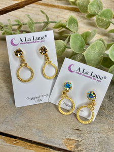 Charming A La Luna Stone With Gold Circular Ribbon Dangle
