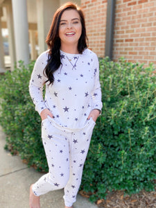 Starry Night Sky Ivory and Black Star Printed Pullover (Reg&Curvy)