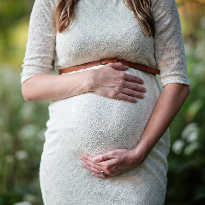 How to Choose Formal Maternity Dresses