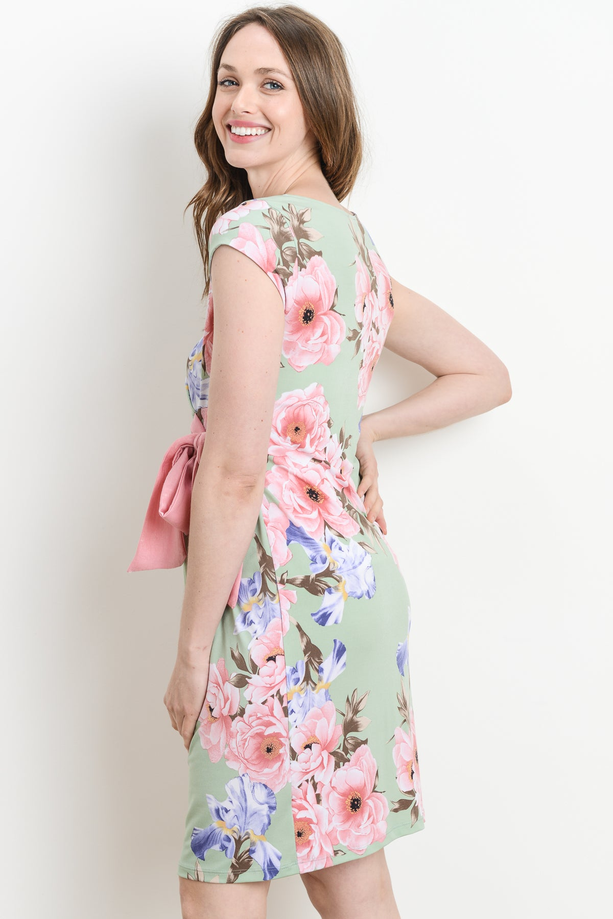 885e9aeef6ae9 ... Pastel Floral Boat Neck with Ribbon Maternity Dress ...