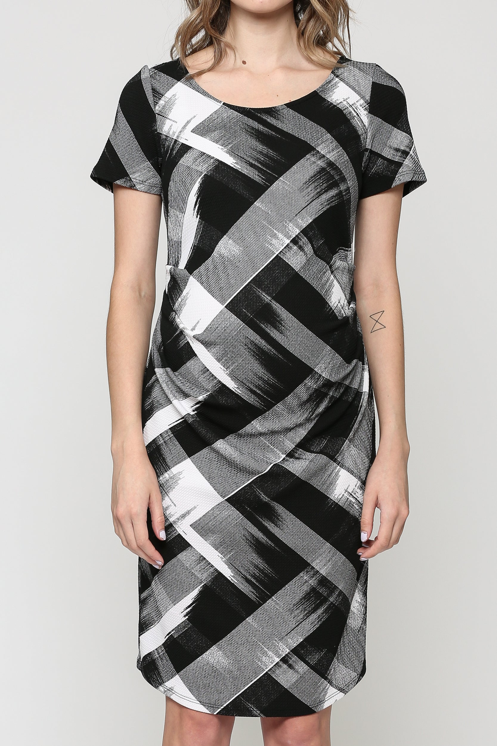 Abstract Short Sleeve Maternity Dress