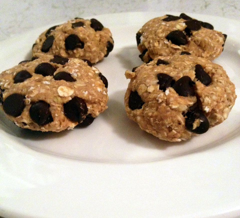 Who Says Dieting has to Suck? - Vegan Oatmeal Chocolate Chip Cookie Bites