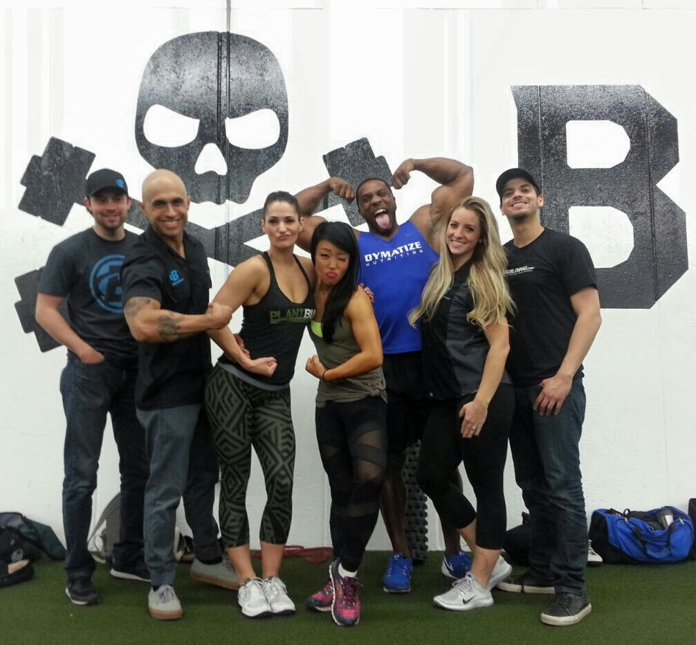 bodybuilding.com crew with samantha shorkey and nina nam