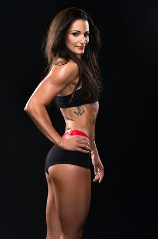 samantha shorkey vegan coach to winner of Bodybuilding.com 12 week transformation challenge