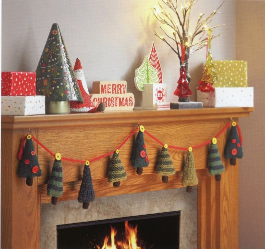 Christmas Knits 2 -  Christmas Tree Garland