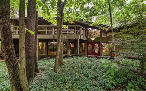 home in wooded area Naperville, IL