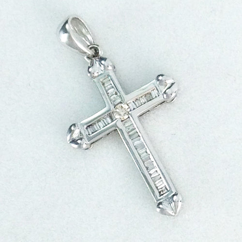 18k White Gold & Genuine Diamond Cross Pendant NWT $432