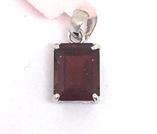 Genuine 2.90 ct Garnet 14K white gold pendant NWT $200