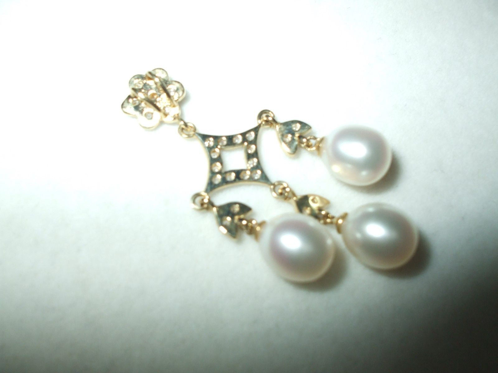 Genuine Freshwater Pearl  and diamond Pendant 14K yellow gold $500