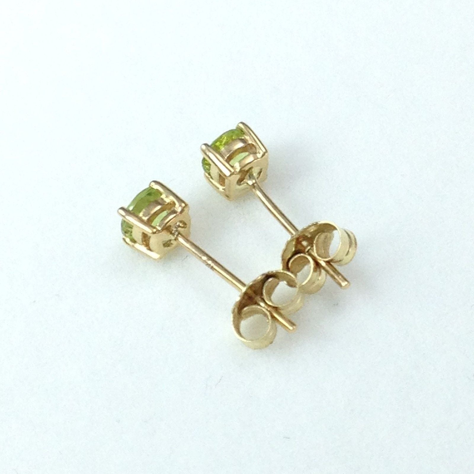 Genuine Peridot Earrings 4mm 0.8 cttw 14K Yellow Gold  NWT $344