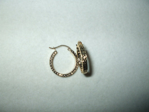 14K yellow gold Hoop Earrings NWT $170