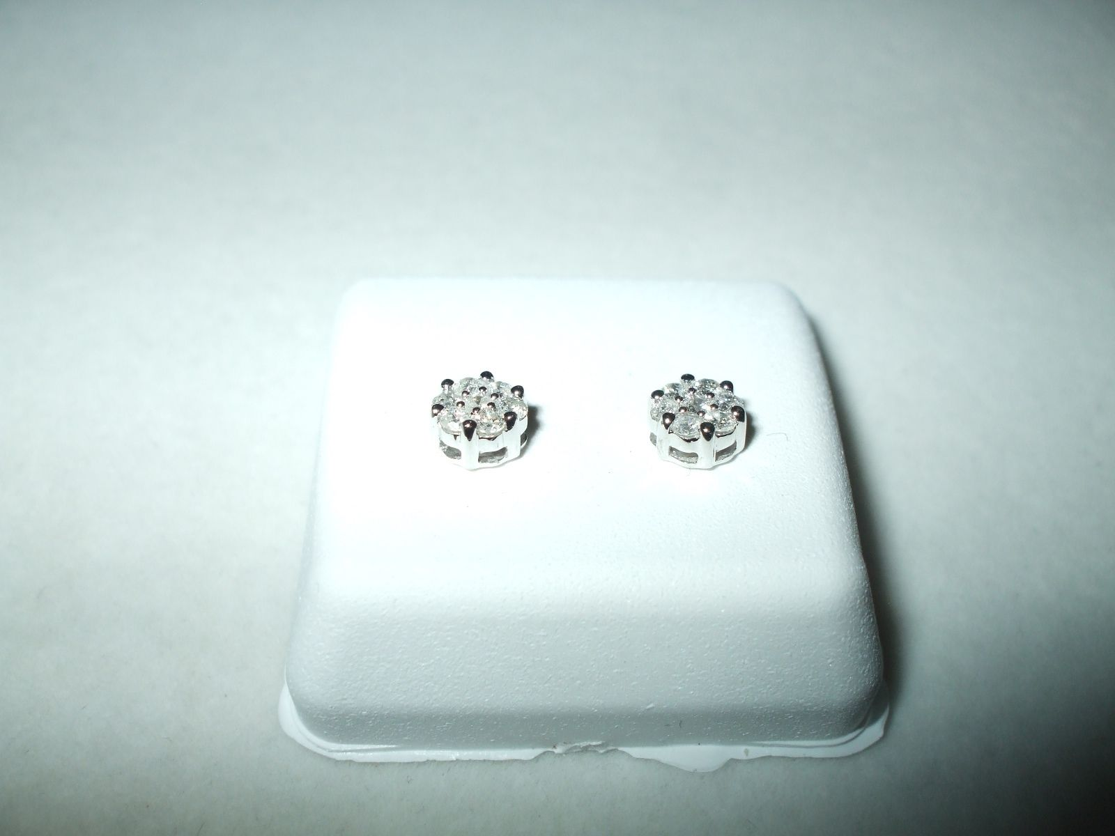 Genuine .25 cttw Diamond Cluster Earrings 14K White Gold Screw Backs NWT $495