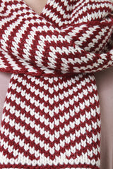 Chevron Conveyor Pattern Buttoned Scarf