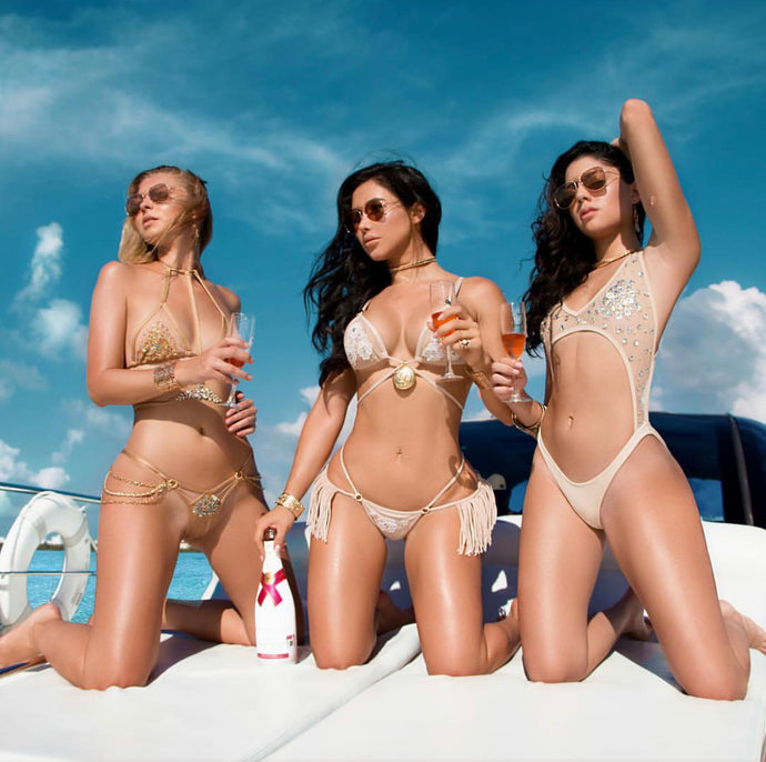 Las Vegas Vibes-The Inside Scoop on the Hottest Pool Party Scenes