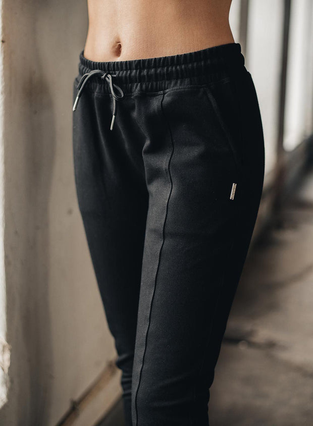 BLACK SWEATSUIT PANTS