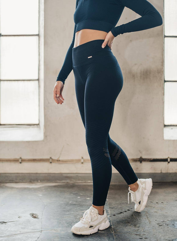 NAVY ELEVATE SEAMLESS TIGHTS