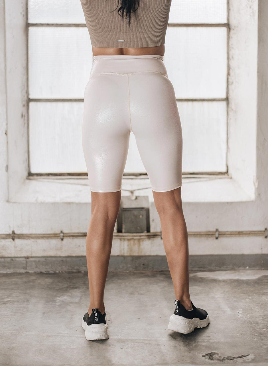 CREAM SHINE ON BIKER SHORTS