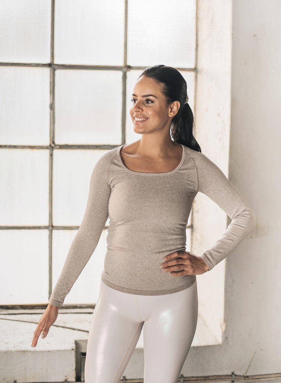 LATTE RIBBED SEAMLESS LONG SLEEVE