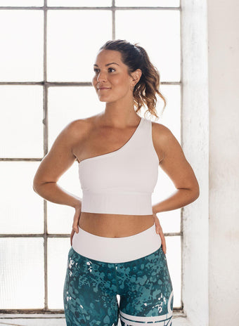 WHITE KNOCKOUT BRA aim'n sportswear