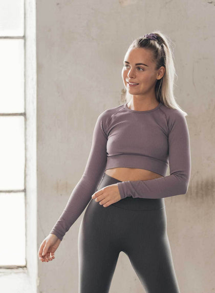 PALE PLUM RIBBED SEAMLESS CROP LONG SLEEVE aim'n sportswear