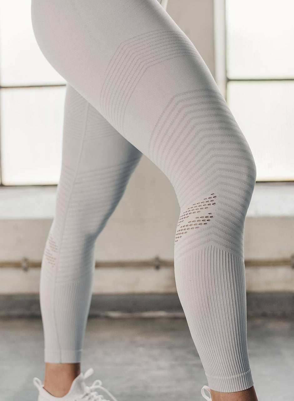 CLOUD ELEVATE SEAMLESS TIGHTS
