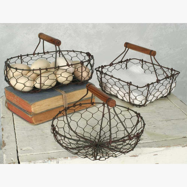 SET OF THREE CHICKEN WIRE BASKETS GREEN AND RUST