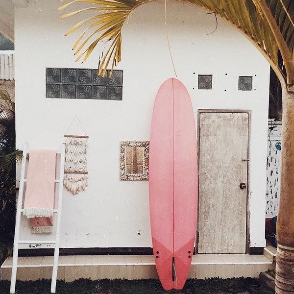 THE SURFER CHIC