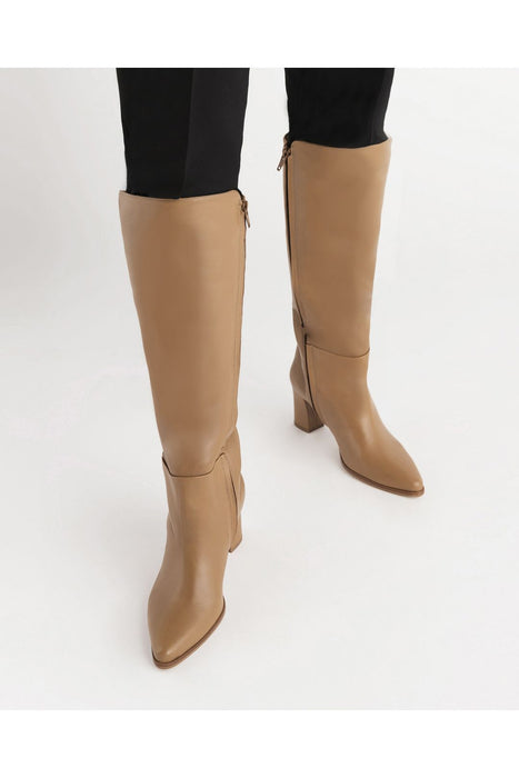 flattered tess knee high boots cognac borcsizma