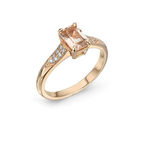 Morganite and Rose gold Engagement Ring