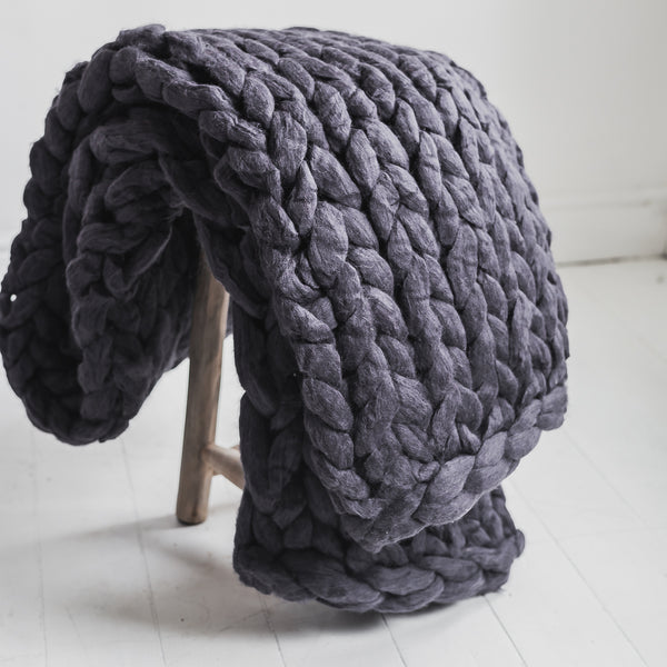 Chunky Knit Merino Wool Blanket in Charcoal Grey