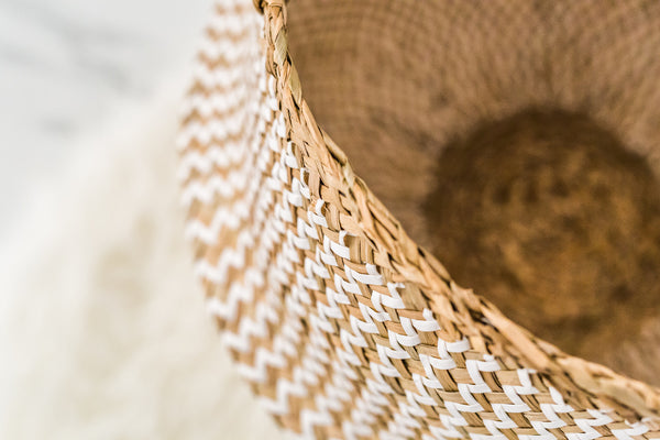 Handmade Natural Seagrass Belly Basket (White & Natural)