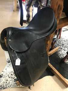 "17"" B.T. Crump Prima Swiss Dressage Saddle"