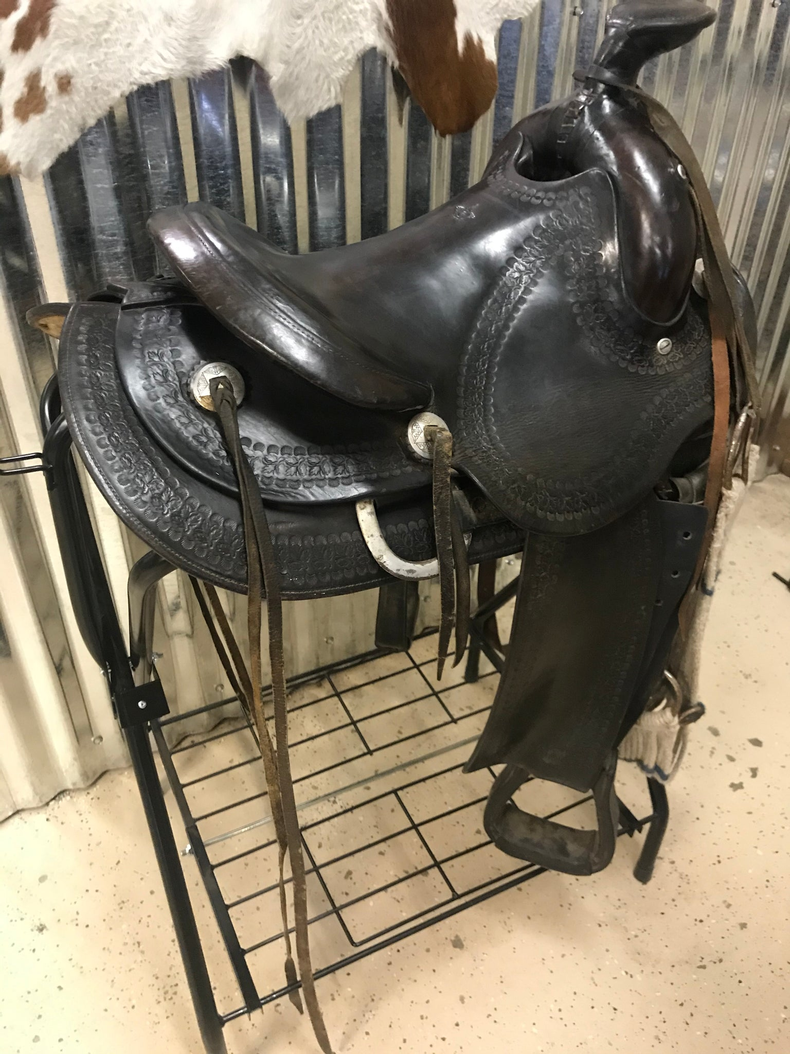 "13.5 "" Vintage Round Skirt Ranch/Trail Saddle"