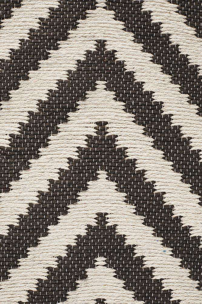 Abode Chevron Design Black Rug