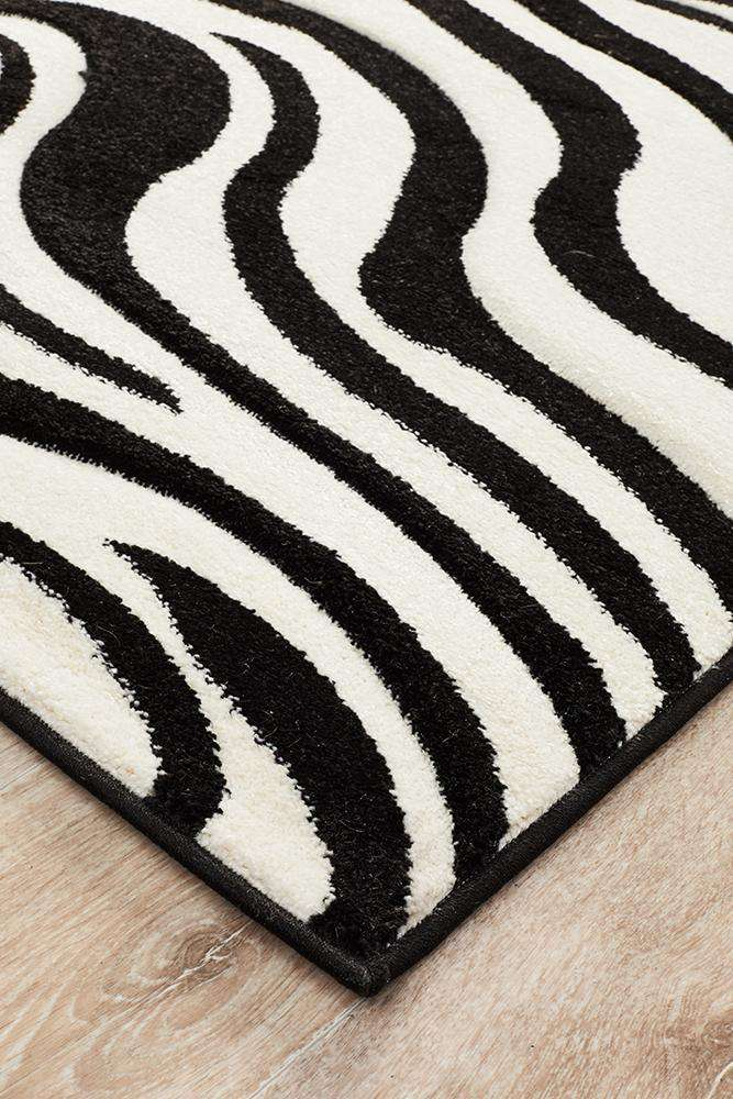Icon Stunning Zebra Pattern Rug Black Off White