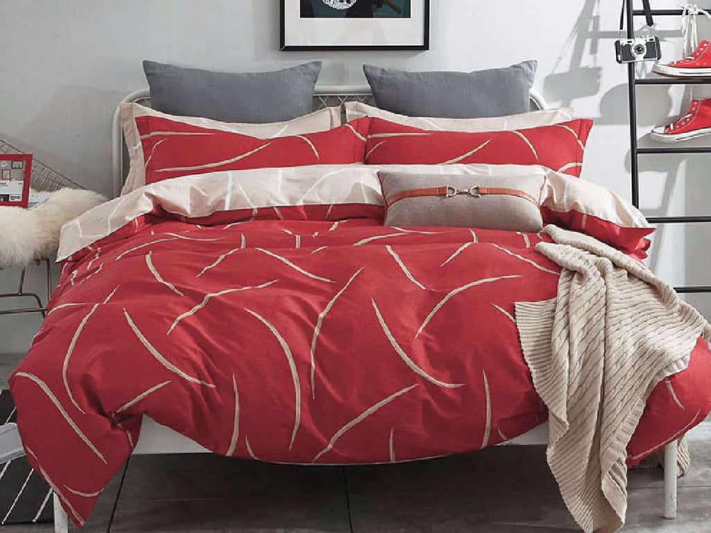 Queen Size Cotton Golden Curved Pattern Red Quilt Cover Set (3PCS)