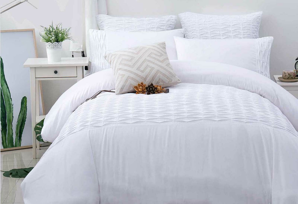 Queen Size 3pcs White Weave Pintuck Quilt Cover Set