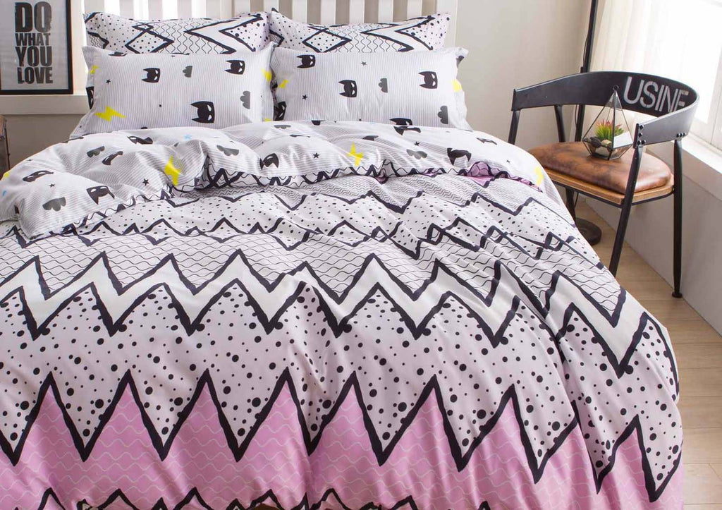 Queen Size 3pcs Pink with Cute Black Pattern Quilt Cover Set