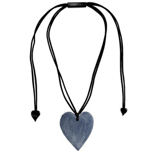 5060203DB00Q00 Heart Large Denim DB00 (Adj Cord)