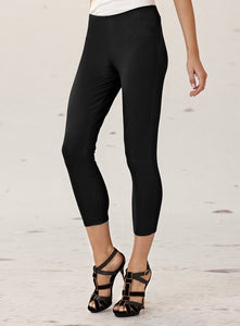 Black Capri Mela Purdie Legging Style and Grace