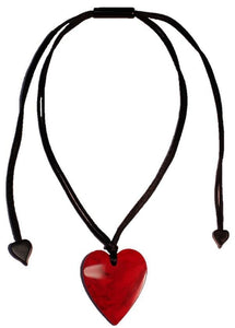 5060204MREDQ00 Heart Small Marble red MRED (Adj Cord)