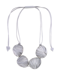 5260102GREYQ04 Eden Necklace 102 Grey Q04