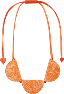 8210102ORANQ03 Graphic Necklace 102 Orange