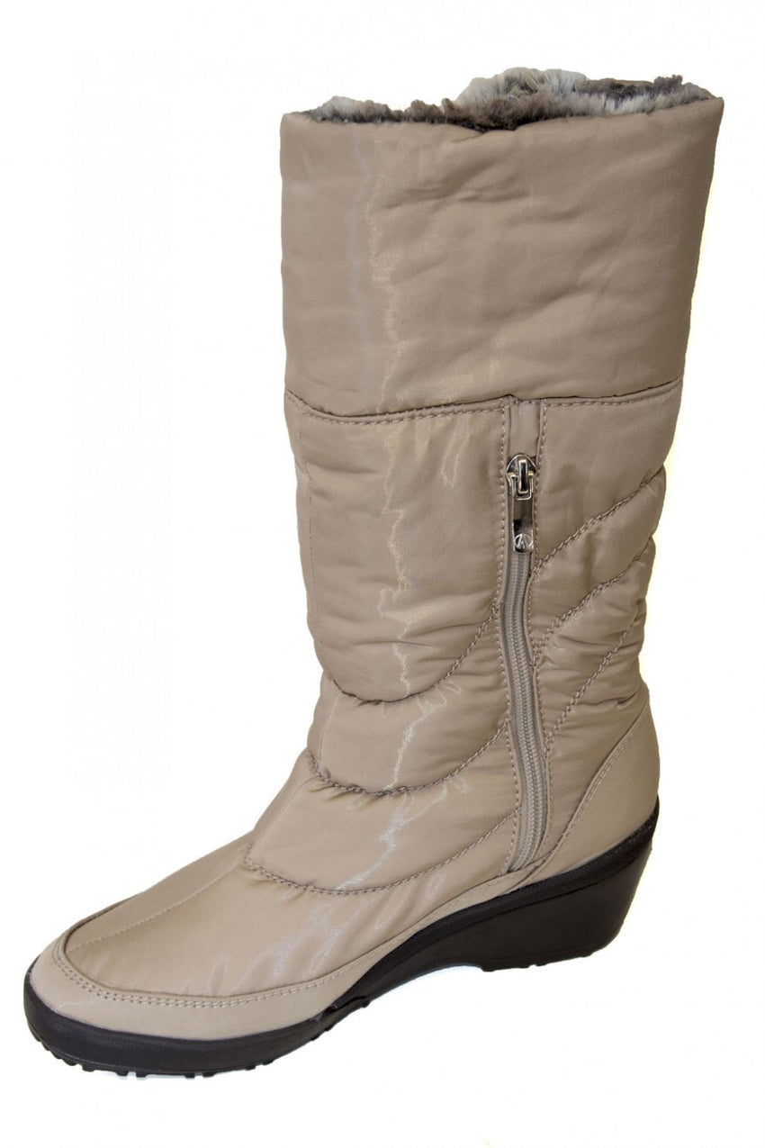 tall-cream-antarctica-boot-style-and-grace