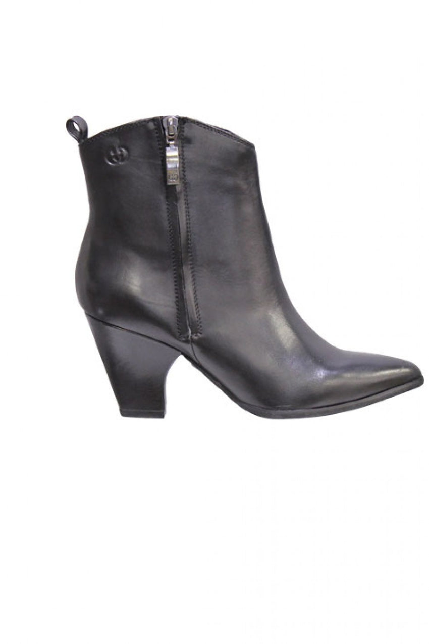 black-heeled-gerry-weber-leather-boot-style-and-grace