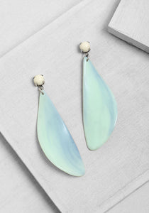 ER211 Flow Leaf Earrings