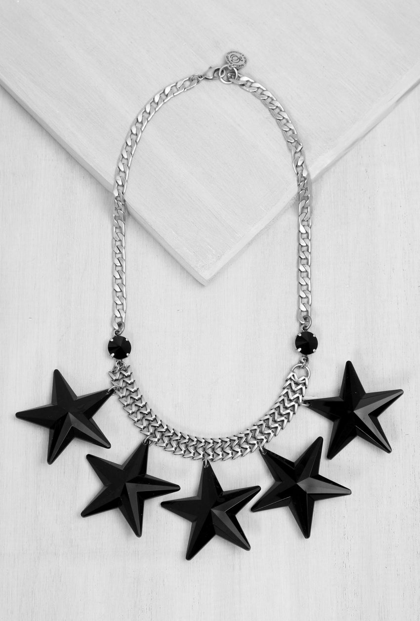 GLN020  Black Stars Necklace Silver