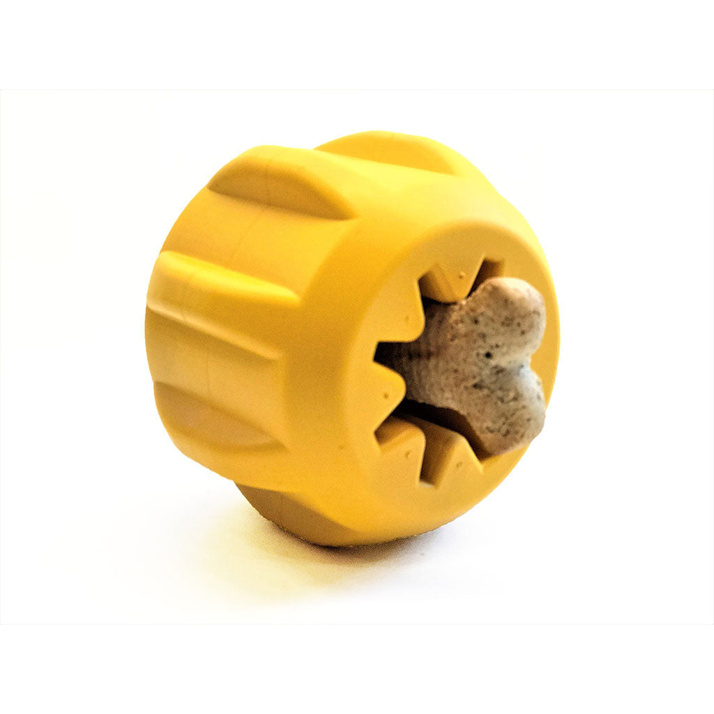 Chopper & Otis: GEAR TREAT POCKET DURABLE RUBBER TREAT HOLDER AND CHEW TOY