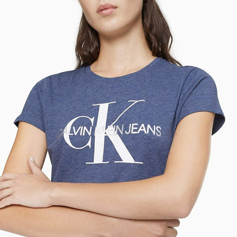Playera CK azul Metallic Monogram Logo - Queen Secrets Boutique