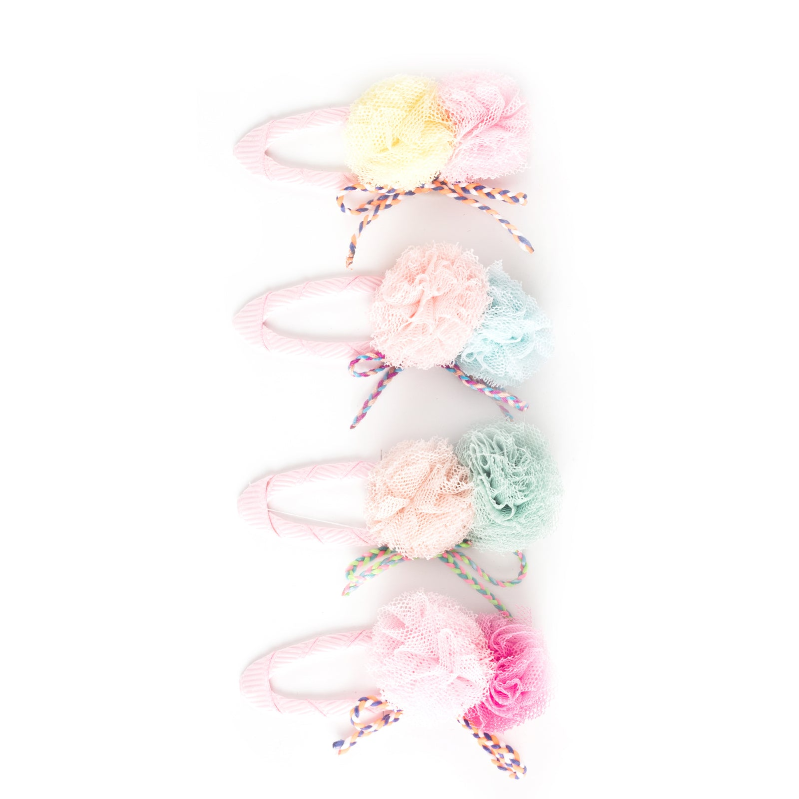 Pom pom with shoelace single snap clip